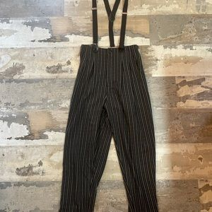 High waisted suspender pants 2/4 small